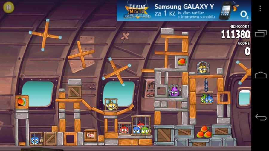 Angry Birds, jedna z mnoha aplikací zobrazující reklamy AdMob na mobilním telefonu.